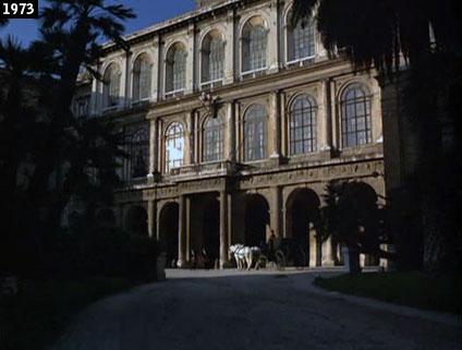 """Palazzo Barberini diventa la residenza d'un ministro nel film """"San Michele aveva un gallo"""", firmato dai fratelli Paolo e Vittorio Taviani (www.davinotti.com)"""