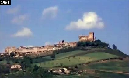 """Il castello di Gradara come Roberto Rossellini lo riprese in """"Vanina Vanini"""" (www.davinotti.com)"""