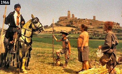 """Scena de """"L'armata Brancaleone"""" girata nelle campagne di Tuscania, con la chiesa di San Pietro sullo sfondo (www.davinotti.com)"""